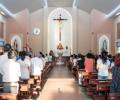 Covid-19: Niềm vui khi Thánh lễ cộng đồng được cử hành trở lại