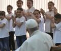 Đức Thánh Cha viếng thăm trại tị nạn tại Bulgari
