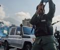 Bạo động tại Venezuela. Quân đội chia hai phe bắn nhau. Tuyên bố của Ủy Ban Công Lý và Hòa Bình.