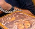 Video: Ngoại thường - Từng đàn rắn bò lên tôn kính Đức Mẹ nhân lễ Ðức Maria Hồn Xác Lên Trời