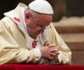pope Francis Praying(1)