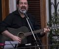 Video: Hình ảnh cảm động: Người Ý hát thánh ca, quốc ca, dân ca bên cửa sổ để giữ vững niềm tin