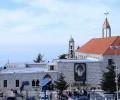 Video: Người Công Giáo và Hồi Giáo Li Băng tin là đất trên mộ thánh Charbel có thể chữa được coronavirus