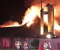 Lạ lùng - Ngôi nhà thờ tuyệt đẹp bị đốt cháy vì lòng thù hận đức tin nhưng thánh giá vẫn đứng vững