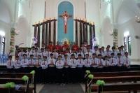 Đức cha Giuse ban Bí tích Thêm Sức tại Giáo xứ Kim Ngọc