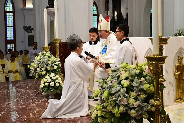 Thánh Lễ phong chức phó tế tại nhà thờ chính tòa Hà Nội 2019