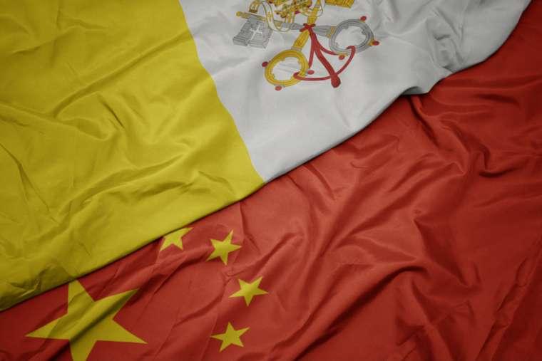 Cờ Vatican và Trung Quốc. Tín dụng: esfera / Shutterstock)